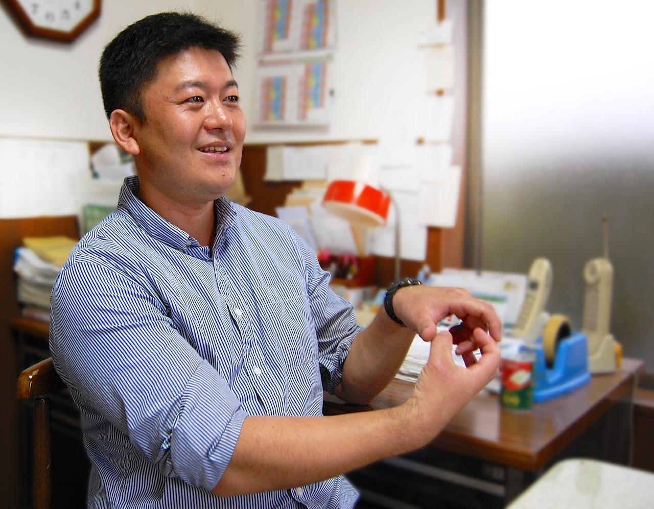 植木の生産農家としてのやりがいを話す須藤金一さん